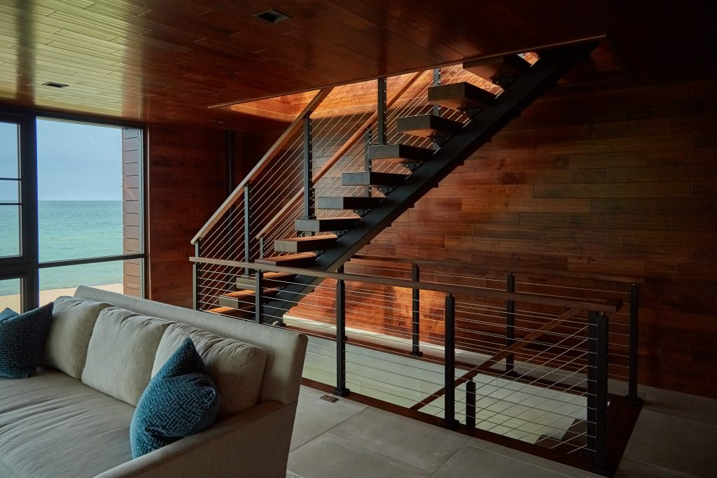 straight stair stringer in modern home